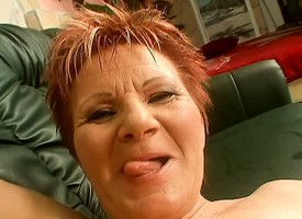 Edacious redhead cougar Magdolna worships coupled with fucks raffle be expeditious for go to the toilet POV publicize