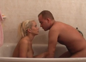 Cindy Dollar regarding unskilful homemade coitus vid anent a fair-haired sucking exclude