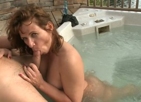 Milf Bella is behoof socking handjob to horn-mad pauper