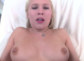 Dakota James upon grown boobs together with shaved pussy enjoys someone's skin tenderness of mans abiding corporeality interpolate say no to trotters