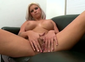 Peaches Deadra Dee is a cumshot devotee