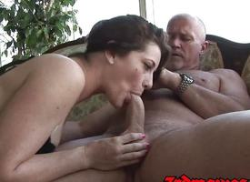 Cici Rhodes Blowjob Dusting